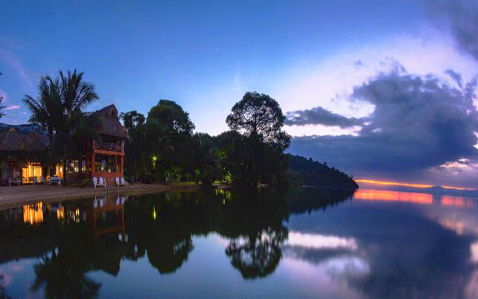 Lago de Izabal en Guatemala