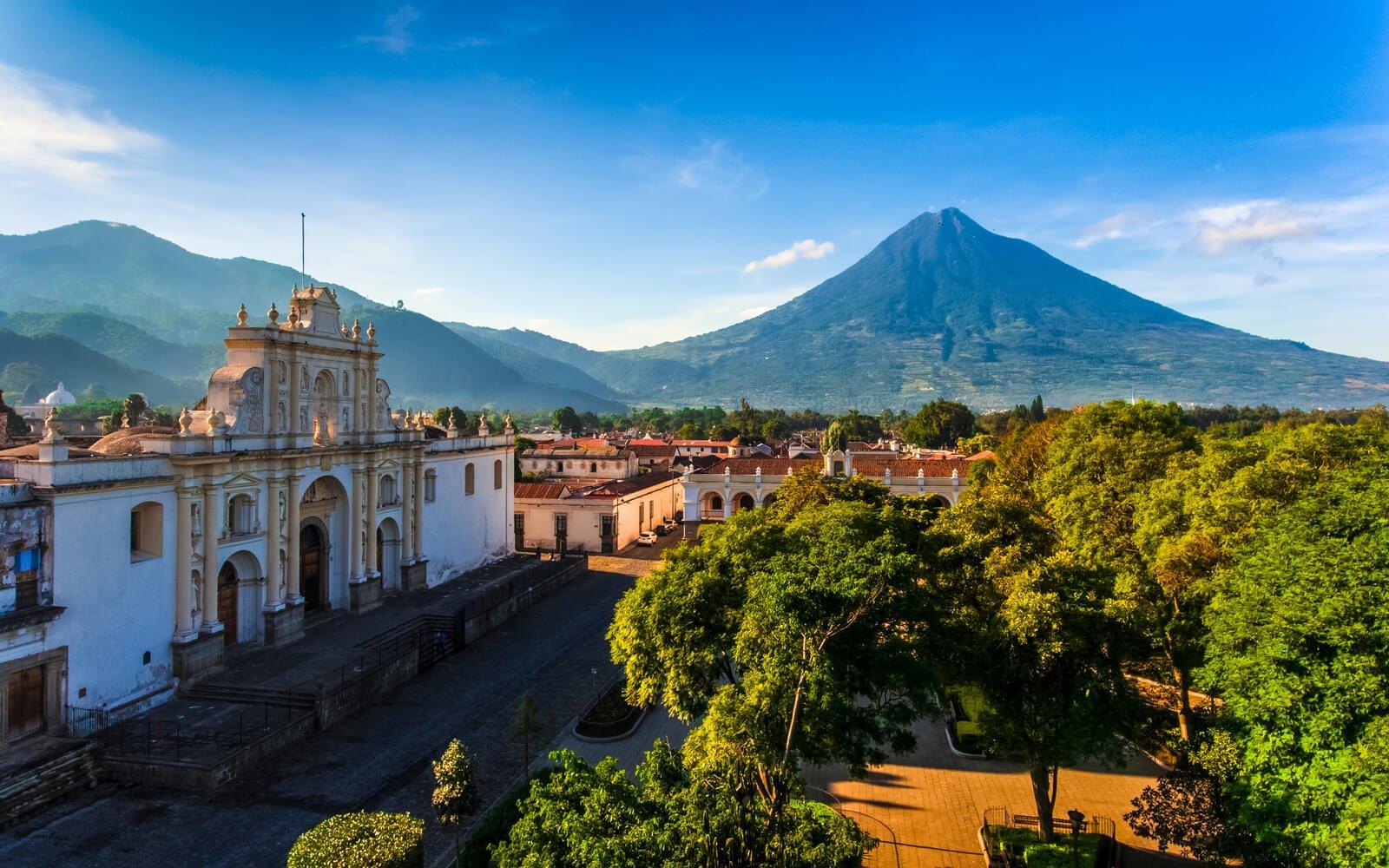 PARQUE CENTRAL ANTIGUA GUATEMALA