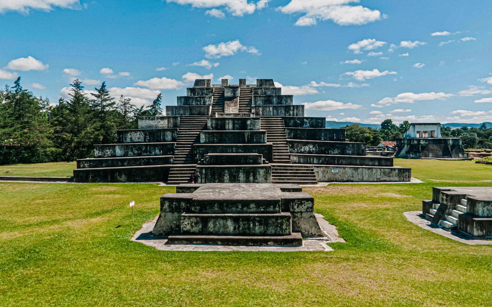 Parque Arqueológico Zaculeu